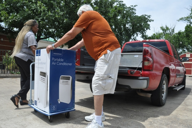 Senior residents with no way to cool their homes are finding relief from the heat thanks to the city's Beat the Heat program.