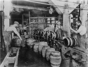 Magnolia Brewery in production, early 1900s.