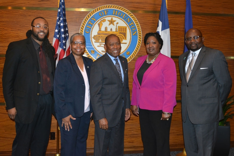 Mayor Sylvester Turner met with HR Director Jane Cheeks, HOPE President Melvin Hughes, HOPE Executive Director Gary Simmons and chief negotiator Alisa Franklin-Brocks.