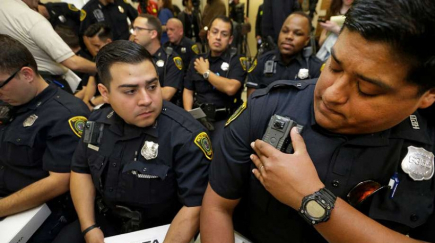 New Body-Worn Cameras Distributed to HPD Officers